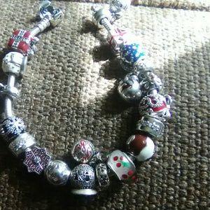 PANDORA bracelet full